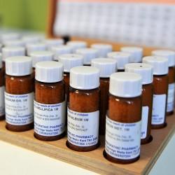 Dr. Luis B. Vega Acupuntura China y Homeopatía, Medicinas Alternativas e Iridología img-8