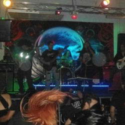 Viuda Negra Rock Bar img-1