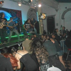 Viuda Negra Rock Bar img-2